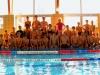 gruppenfoto-im-schwimmbad-sonntag